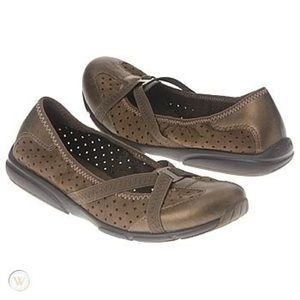 Privo by Clarks Metallic Bronze Brown Flats